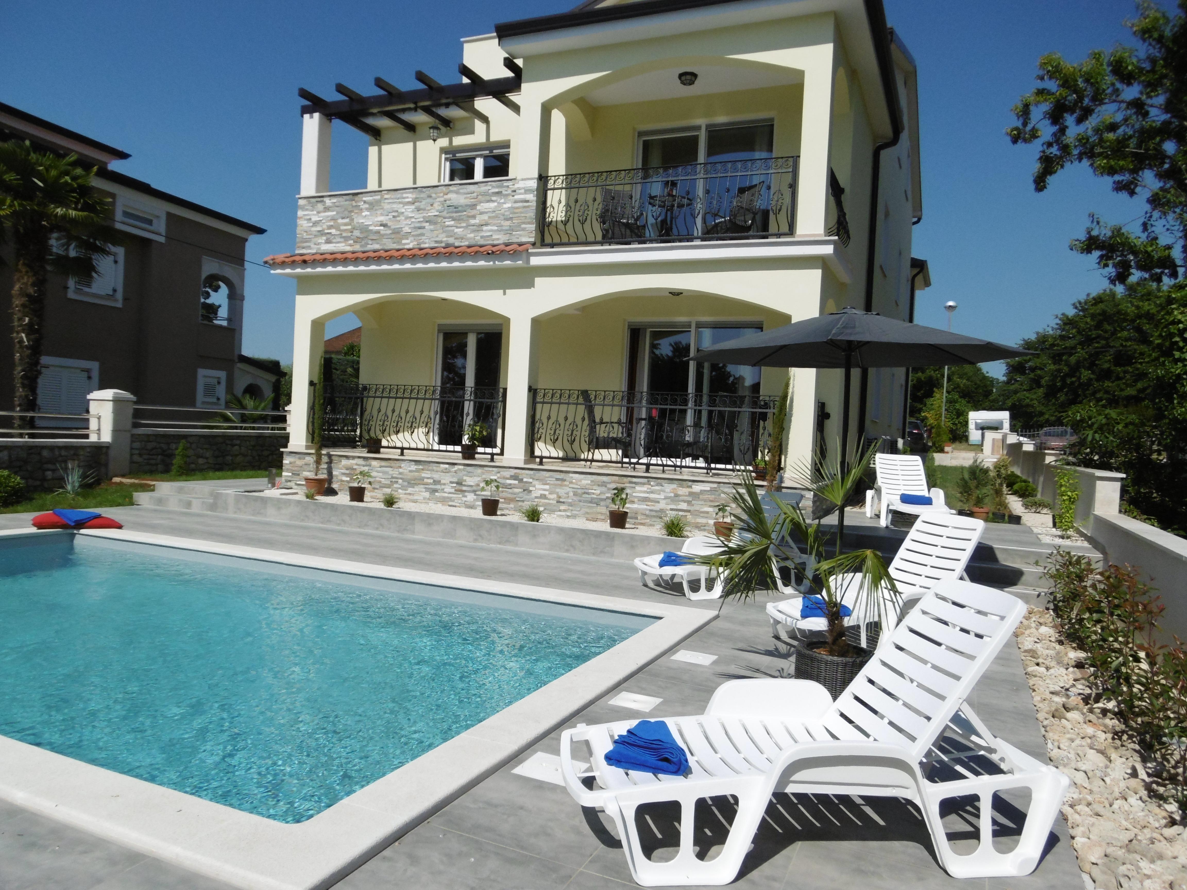 villa luka apartment creme 2 4 personen ferienwohnungen ferienh user villas istrien. Black Bedroom Furniture Sets. Home Design Ideas